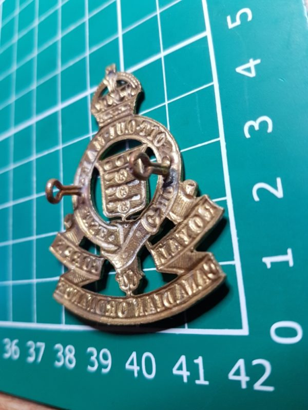 WW2 RCOC Canadian Army Cap Badge