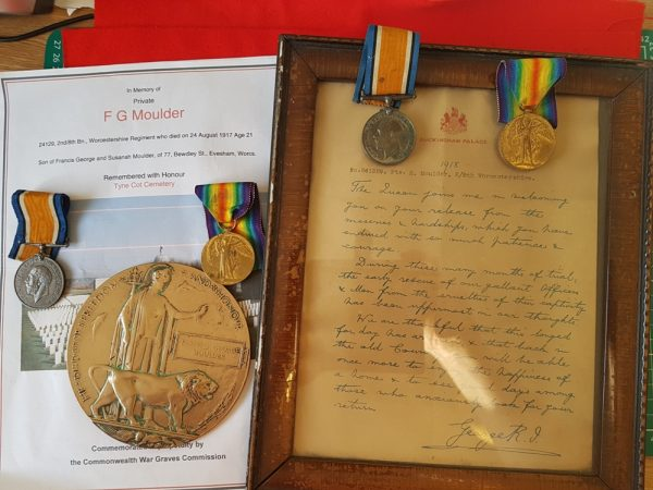 K.I.A. and P.O.W.  Family Medals, King's Letter, Memorial Plaque, Worcester Regiment